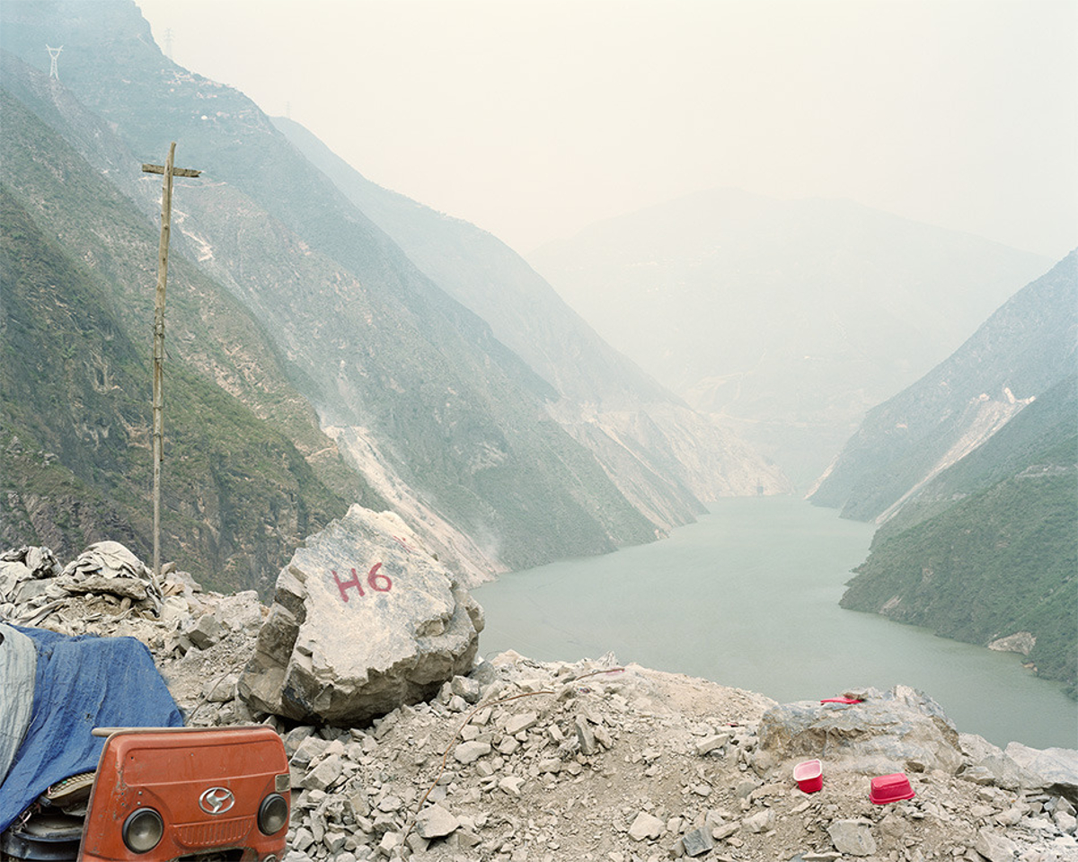 Y32_3,100km from the river source. Yan Wang Preston, Mother River project (2010-2014).