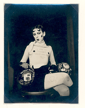 I am in training don't Kiss me © Claude Cahun