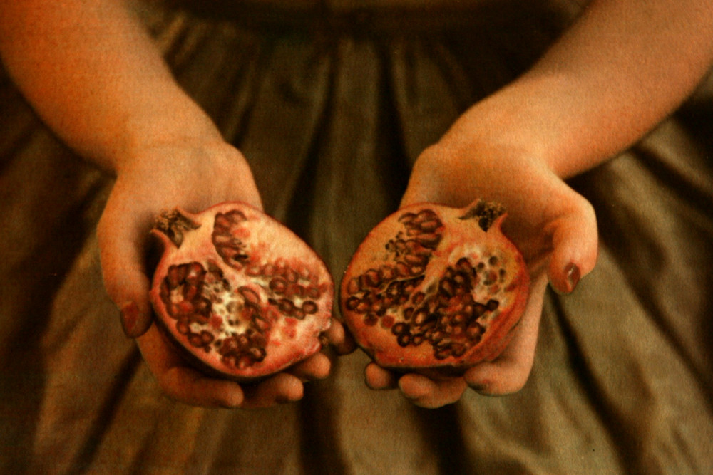 Girl_with_Pomegranate_II_Diana_H_Bloomfield_Hundred_Heroines_Photography